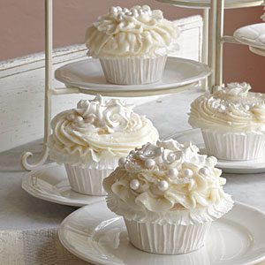 To Cupcake or not to Cupcake wedding cupcakes that is