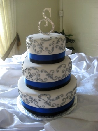blue white and silver wedding cakes wedding colors blue marrying later in 12025