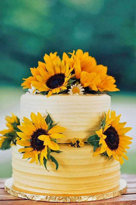 Wedding Cake Colors – Mellow Yellow