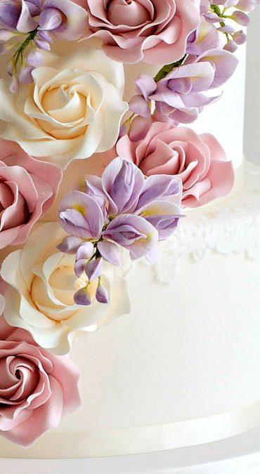 Decorating Wedding Cakes!