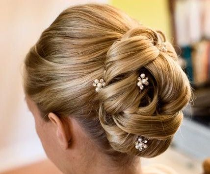 Choosing the Right Hair Accessories-Marrying-Later-In-Life
