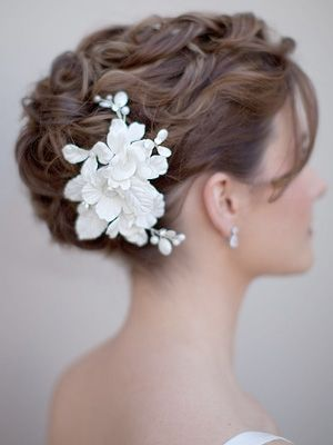 Choosing your Hair Accessories-Marrying-Later-In-LIfe
